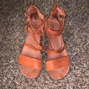 Chocolat Blu Demi Wedge Sandals Size 7